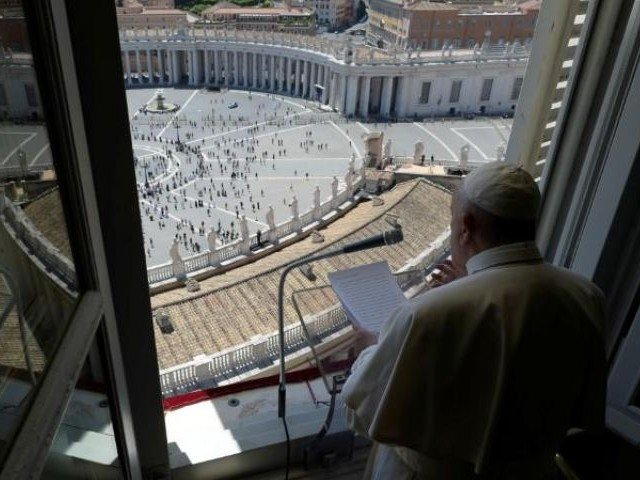 don t celebrate victory over coronavirus too soon pope tells italians