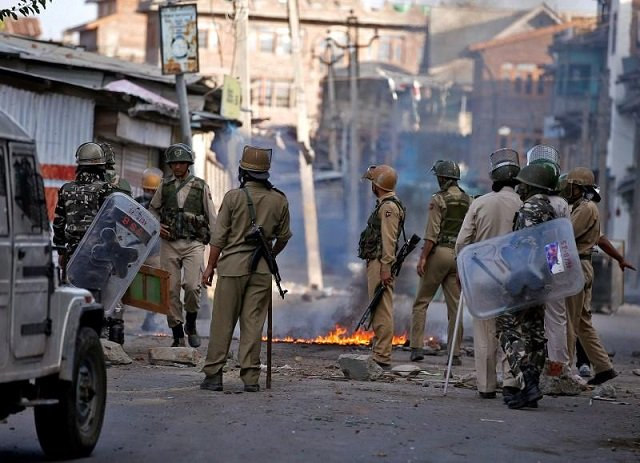 indian forces martyr five more kashmiri fighters