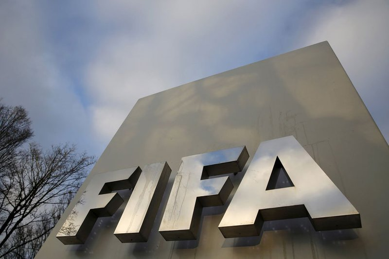 fifa allows transfer windows to open before current season finishes