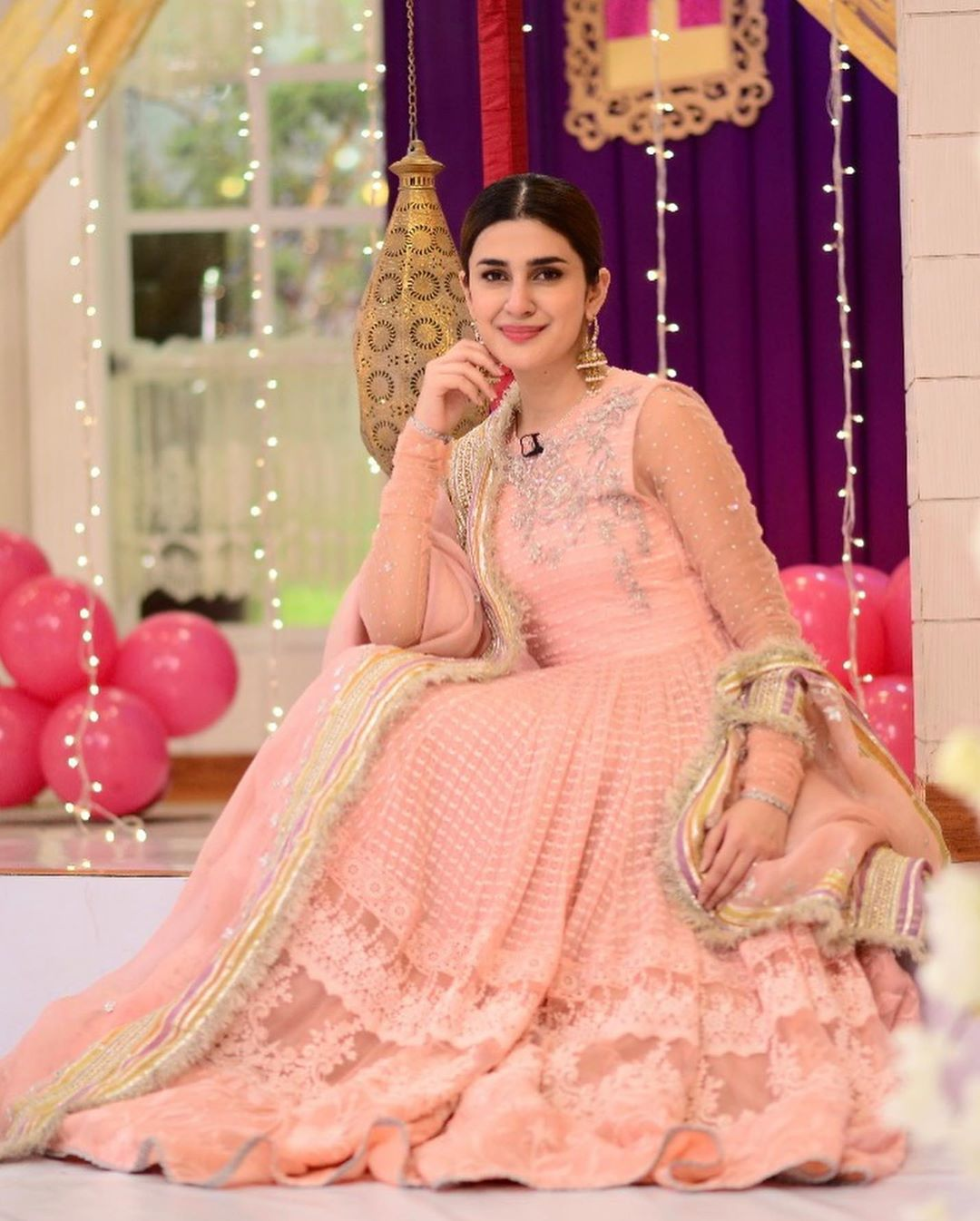 celebs pour in birthday wishes for kubra khan as she turns 27