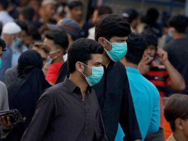 smart lockdown begins in karachi