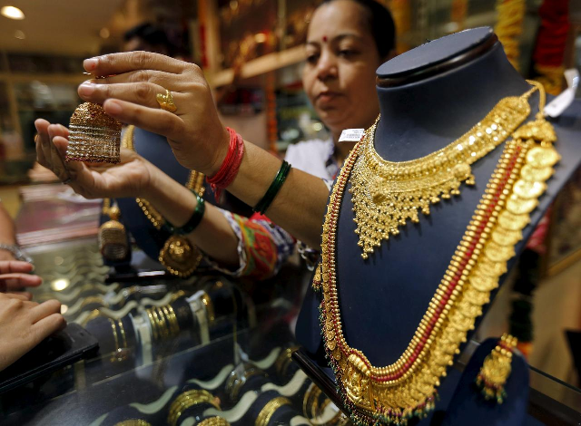world s ultra wealthy go for gold