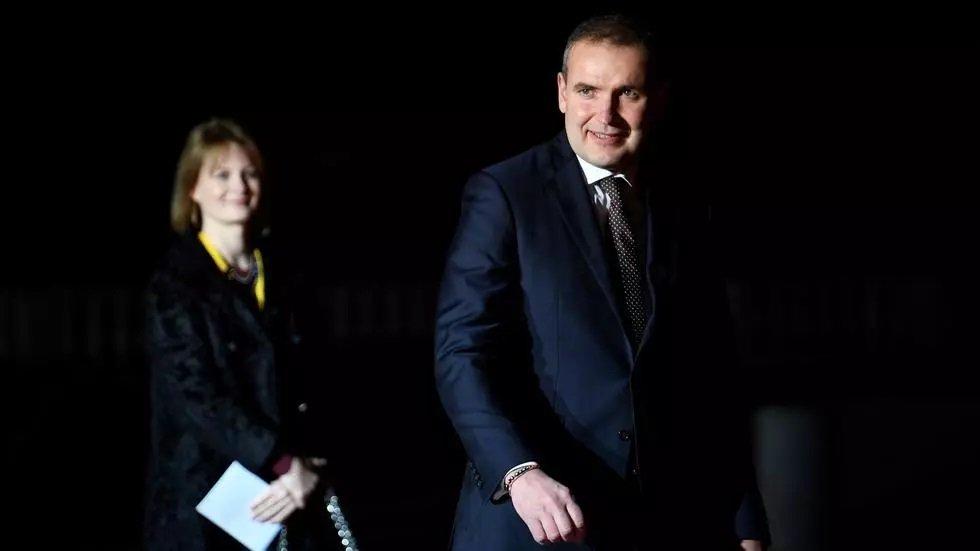 iceland president set for landslide election win
