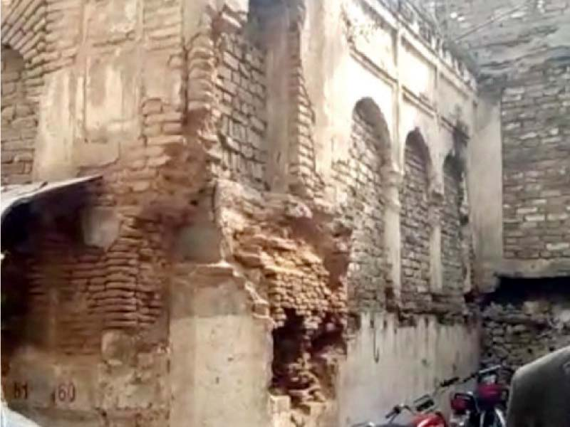 the deteriorating condition of the century old hindu temple in bhabra bazaar photo express