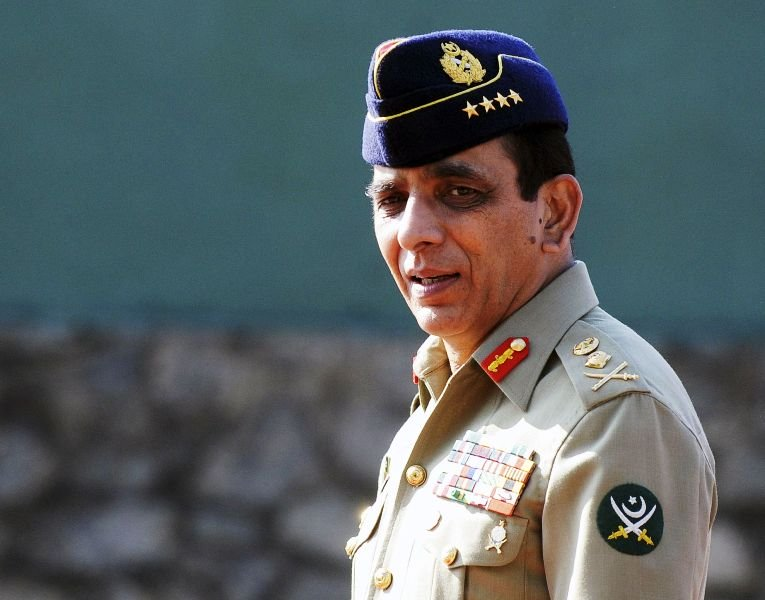 army chief gen ashfaq parvez kayani has decided in principle to let civilian authorities tackle political issues says a security official photo afp file
