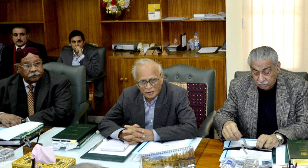 cec chairing a meeting of the commission photo inp