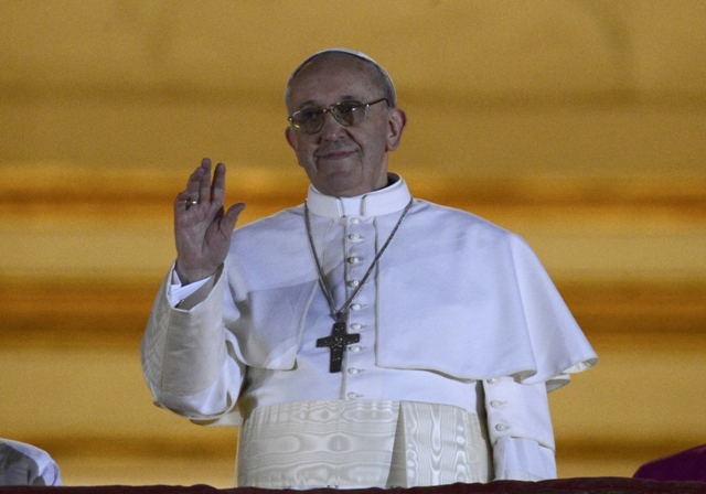 newly elected pope francis cardinal jorge mario bergoglio of argentina appears on the balcony of st peter 039 s basilica after being elected by the conclave of cardinals at the vatican march 13 2013 photo reuters