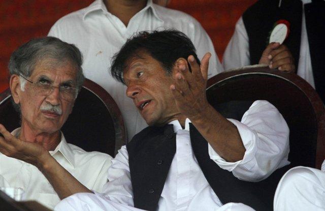 pervaiz khattak with pti chairman imran khan photo reuters file