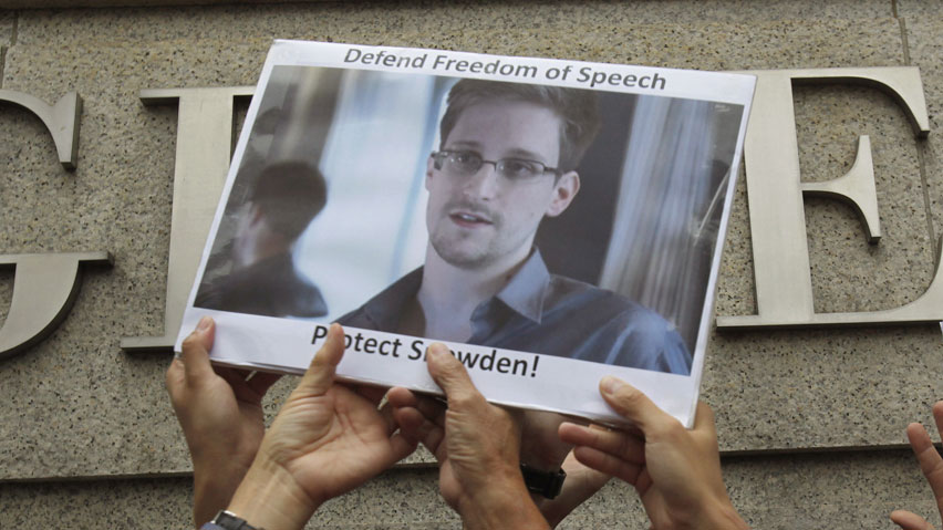 snowden 039 s case has caused new strains in relations between russia and the united states photo reuters
