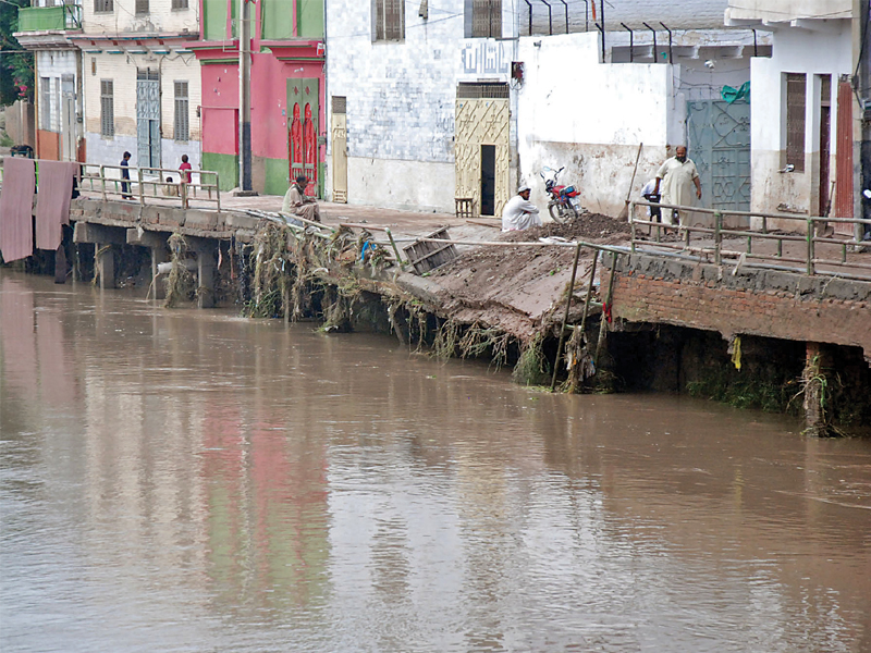 despite disastrous floods in 2010 and 2012 no preventive measures have been put in place photo express