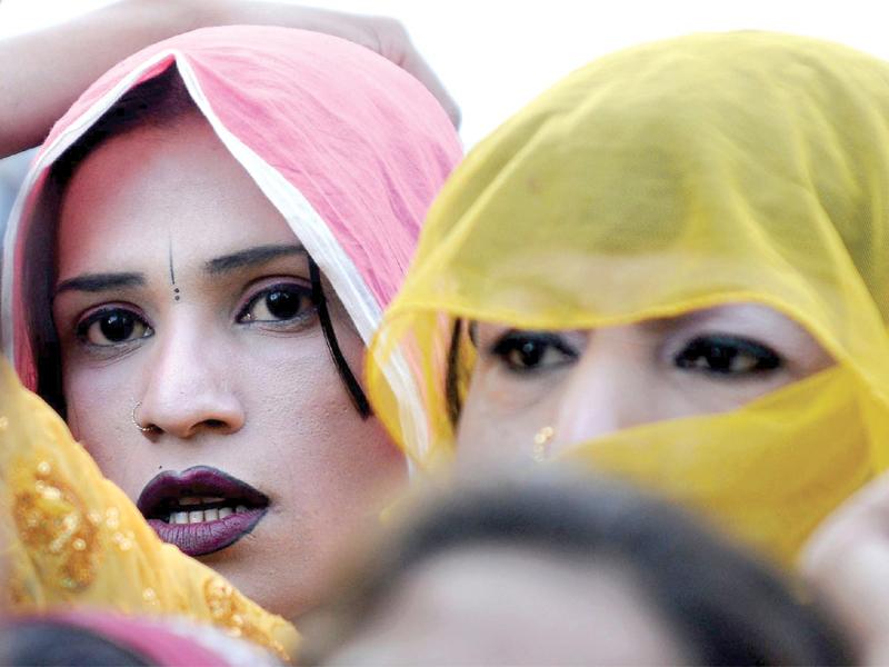 there are an estimated 2 000 eunuchs in peshawar photo file