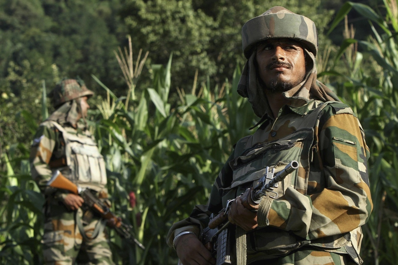 indian army soldiers patrol near the line of control a ceasefire line dividing kashmir between india and pakistan in poonch district in this august 7 2013 file photo photo reuters
