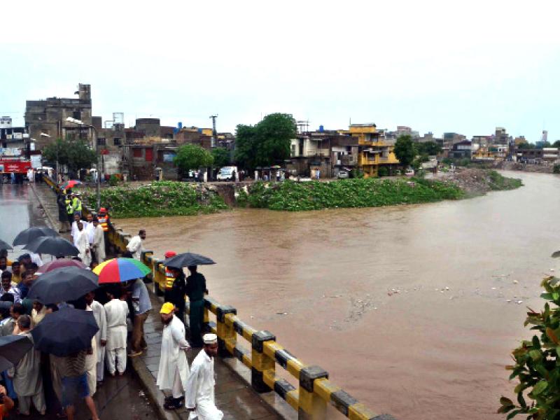 nullah leh near gawalmandi bridge photo muhammad javaid express