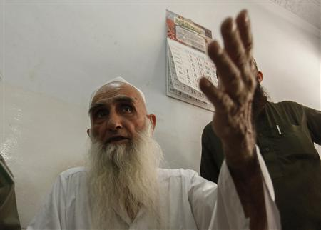 Haji Alam Sher, 83, a Muslim cleric and founder of the Ganj Madrassa, speaks to the media in Peshawar August 21, 2013. PHOTO: REUTERS.