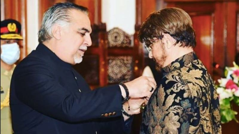rizwan beyg receives his tamgha e imtiaz
