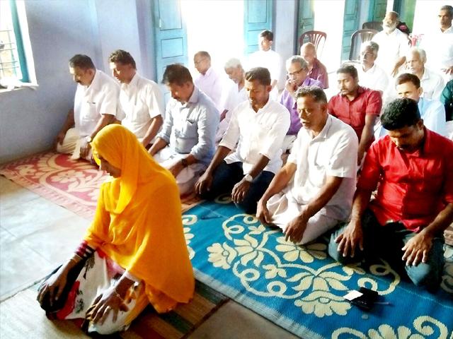 jamida beevi leading the friday prayers in malappuram photo scroll in