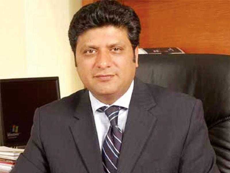 nadra chairman tariq malik photo file