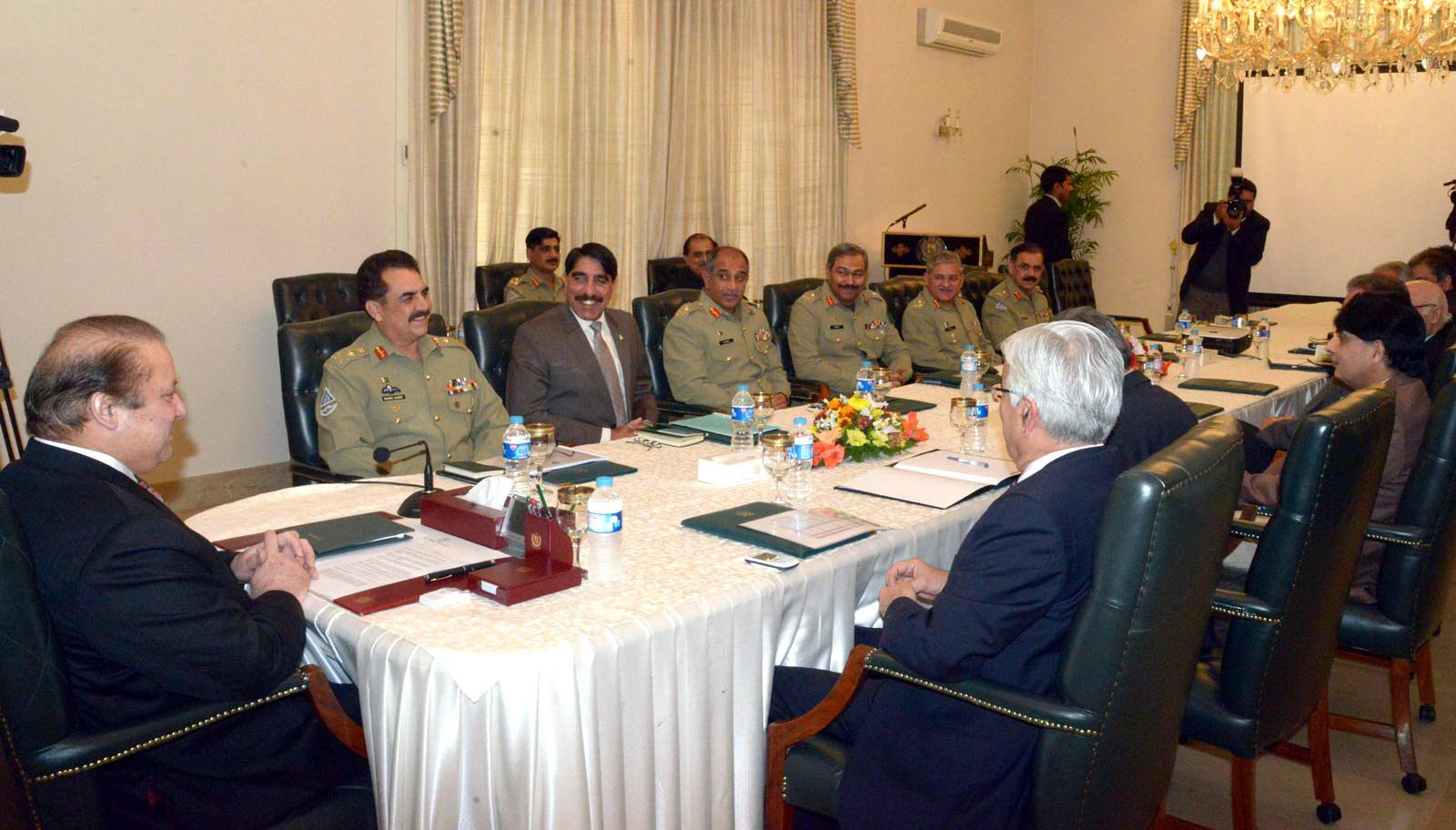 prime minister nawaz sharif chairing the meeting with coas general raheel sharif and other officials to decide matters related to the operation photo inp