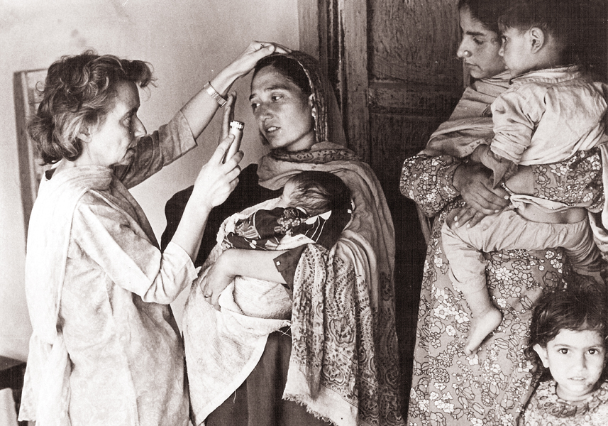 examining leprosy patients during field work in azad jammu and kashmir photos marie adeleide leprosy centre archives
