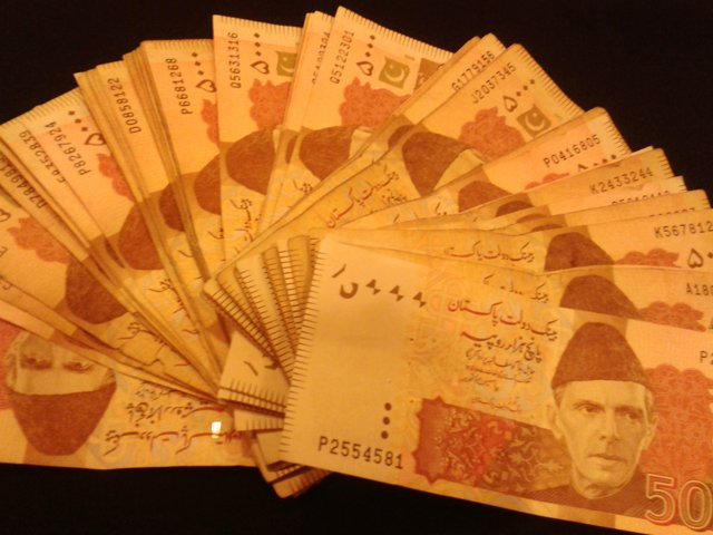 budget 2014 15 every pakistani now owes rs82 627