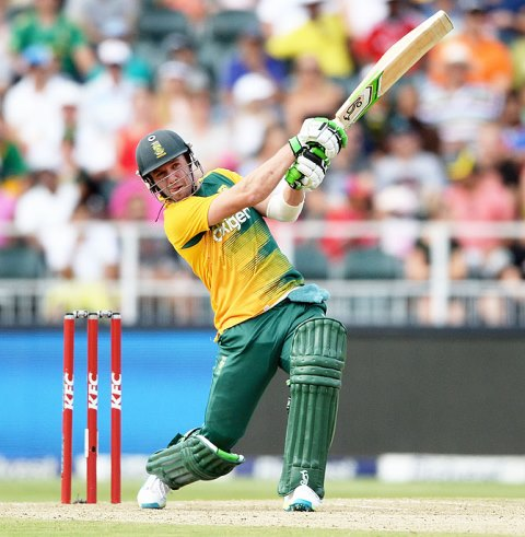 South Africa's AB de Villiers hits a six during the 2nd KFC T20 International match against England at the Wanderers Stadium in Johannesburg. PHOTO: GETTY