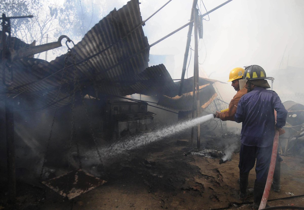 Karachi's fire department has failed to provide adequate protection to people from disasters resulting from fire. PHOTO: RASHID AJMERI/EXPRESS