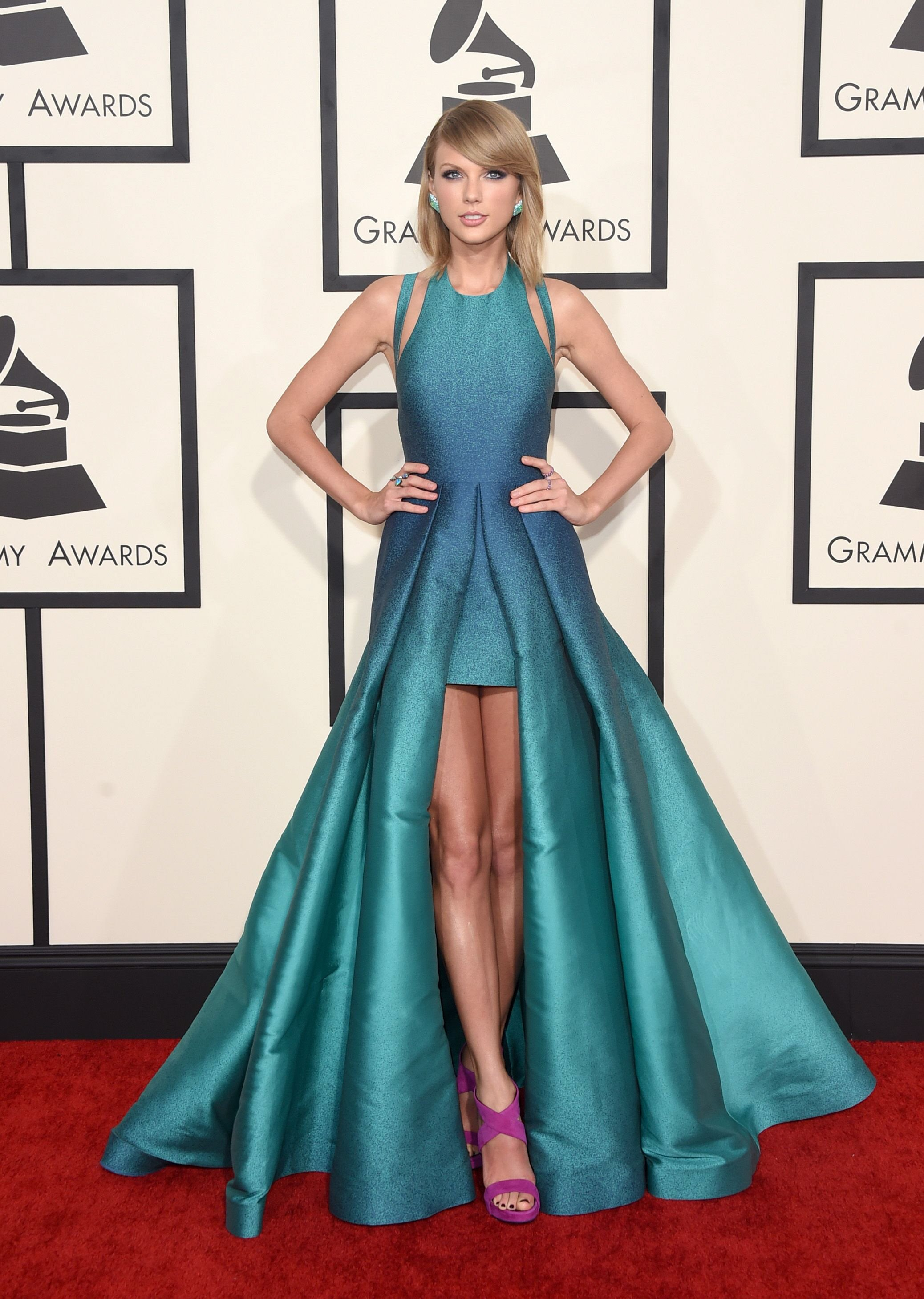 mega stars of the music world rocked daring outfits on the grammys red carpet photo afp