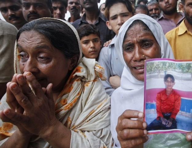 heirs of baldia factory fire victims to sue german retailer