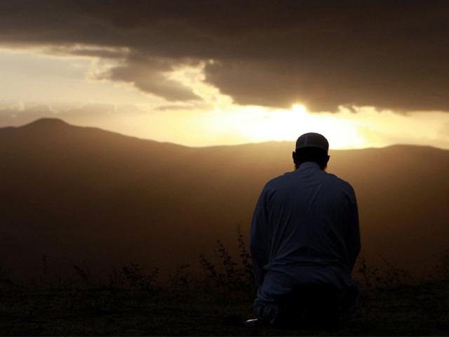 I waited until my shadows began to elongate to recite my prayers. PHOTO: PINTEREST