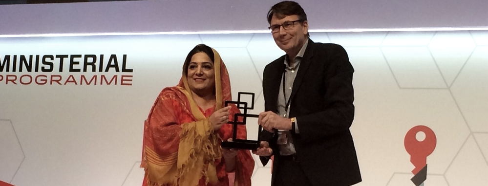 Minister of State for IT Anusha Rahman receiving the GSMA Spectrum for mobile broadband Award 2015 at Mobile World Congress Barcelona Spain. PHOTO: IT MINISTRY