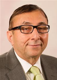 Lancashire County Councillor Dr Misfar Hassan. PHOTO: council.lancashire.gov.uk