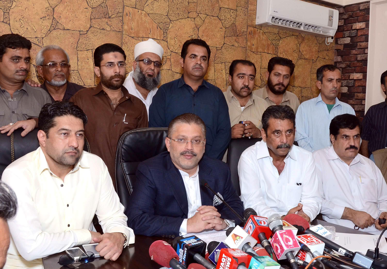 Sharjeel Memon addresses a press conference in Karachi on April 10, 2015. PHOTO: IRFAN ALI/EXPRESS
