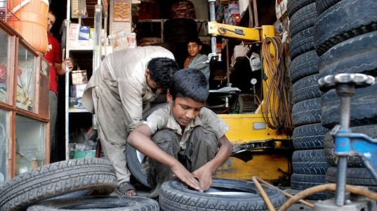 first time violators of labour laws to be jailed in k p
