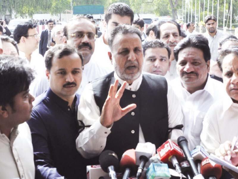 leader of opposition mehmoodur rasheed addressing media after the session photo abid nawaz express