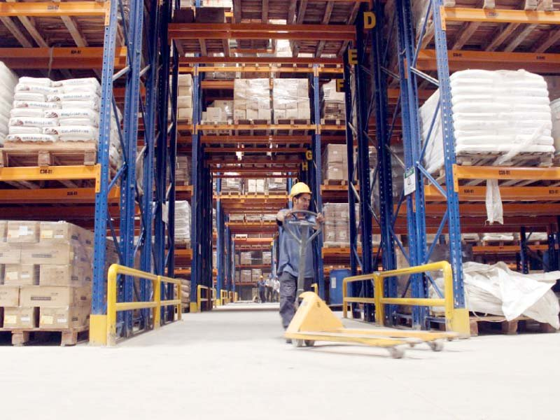 professional warehousing reduces delivery timeline ensures inventory accuracy and helps in batch management photo express