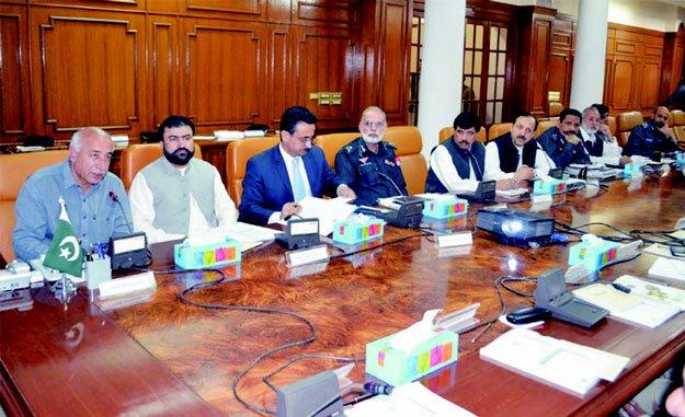 CM Balochistan Dr Abdul Malik Baloch (L) chairing the meetin gof the provincial Apex Committee on Friday. PHOTO: NASEEM JAMES/EXPRESS