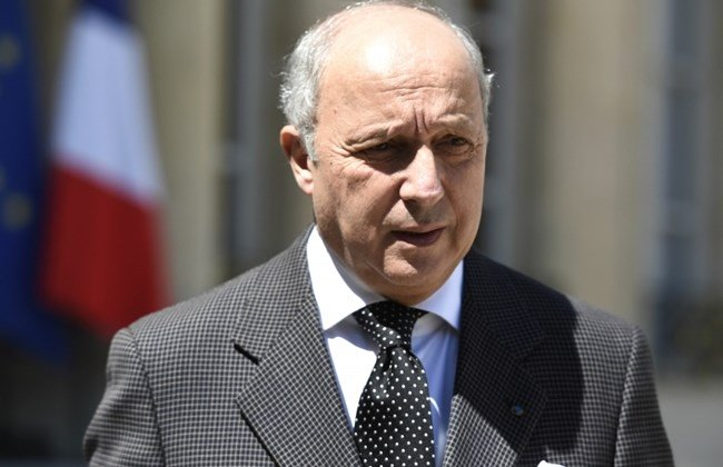 french foreign affairs minister laurent fabius delivers a speech after a defense council at the elysee palace on june 27 2015 in paris one day after the terrorism attack on the air products gas factory in saint quentin fallavier photo afp