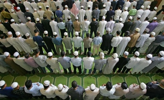 british muslims during friday prayers at the east london mosque photo afp