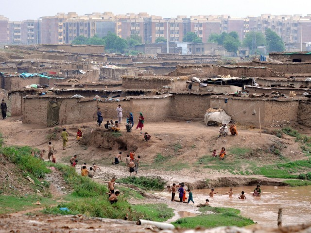 according to report in 2014 over 80 000 people living in capital s katchi abadis photo express qazi usman