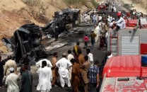 11 killed in road accident near kalat