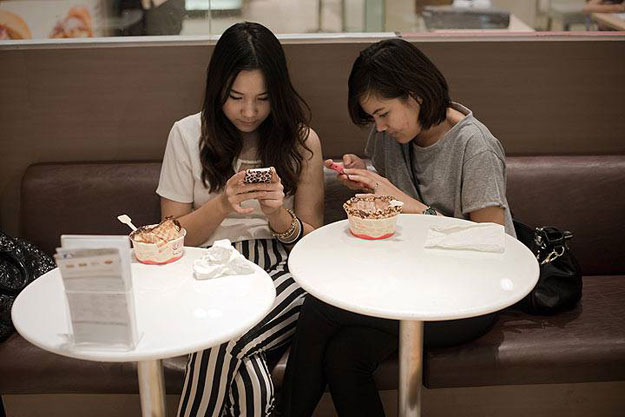 invite only chat app clubhouse booms in japan