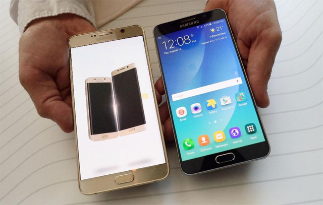samsung ramps up apple challenge with large handsets