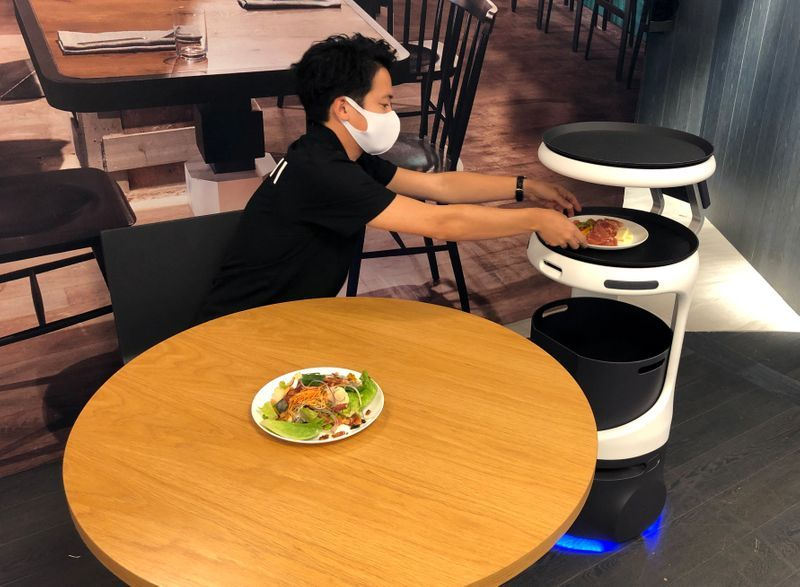robots to serve food in labor strapped japan