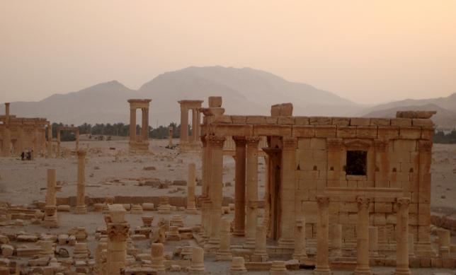 A general view shows the temple of Baal Shamin in the historical city of Palmyra, Syria October 22, 2009. PHOTO: REUTERS