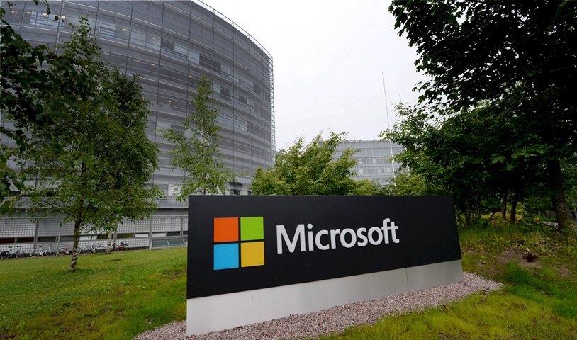 microsoft to test xbox cloud gaming on pcs apple mobile devices