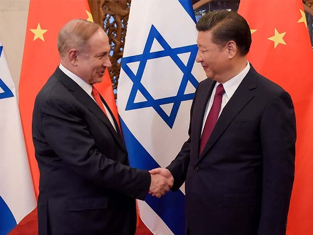 china 039 s president xi jinping and israel 039 s prime minister benjamin netanyahu shake hands photo afp