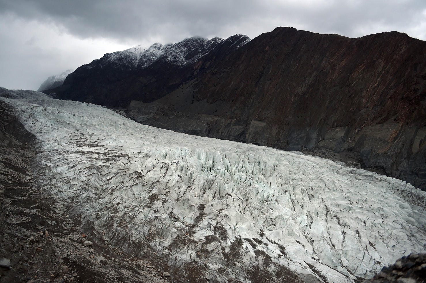 in this photograph taken on september 28 2015 a general view of passu glacier is seen in pakistan 039 s gojal valley photo afp