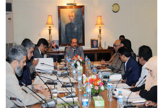 sindh government considers banning teachers unions