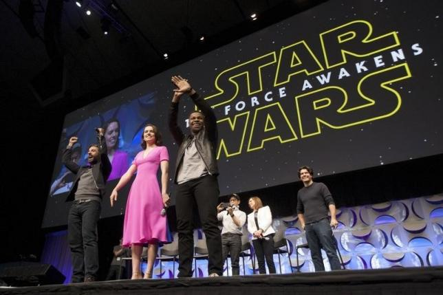 star wars the force awakens cast members abrams producer kennedy and show host breznican appear at the kick off event of the star wars celebration convention photo reuters