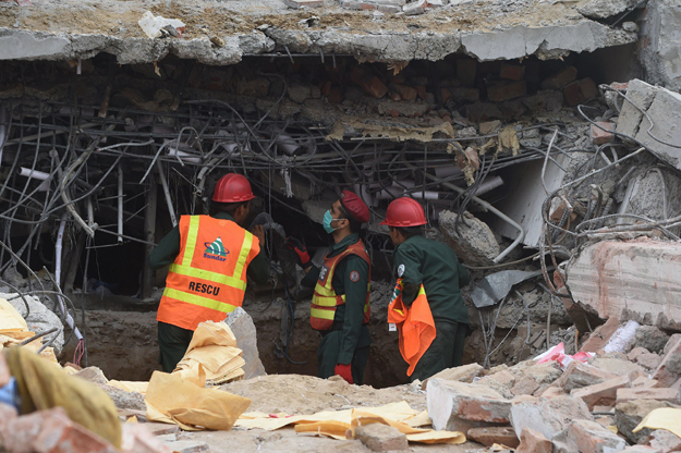 at least 23 killed in lahore factory collapse rescue operations underway